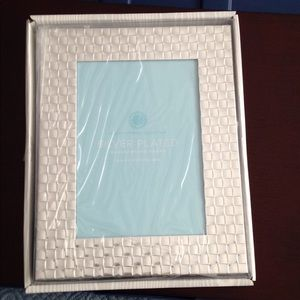 Martha Stewart basket weave 5x7 frame
